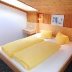 W1 Schlafzimmer 1