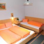 Schlafzimmer W2